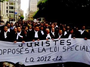 La bannières de l'Association des juristes progressistes lors de leur manifestation au moi de mai 2012, contre la Loi spéciale. (photographer unknown.